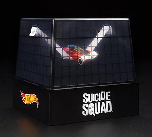SDCC 2016 HOT WHEELS DC COMICS SUICIDE SQUAD HARLEY QUINN VEHICLE